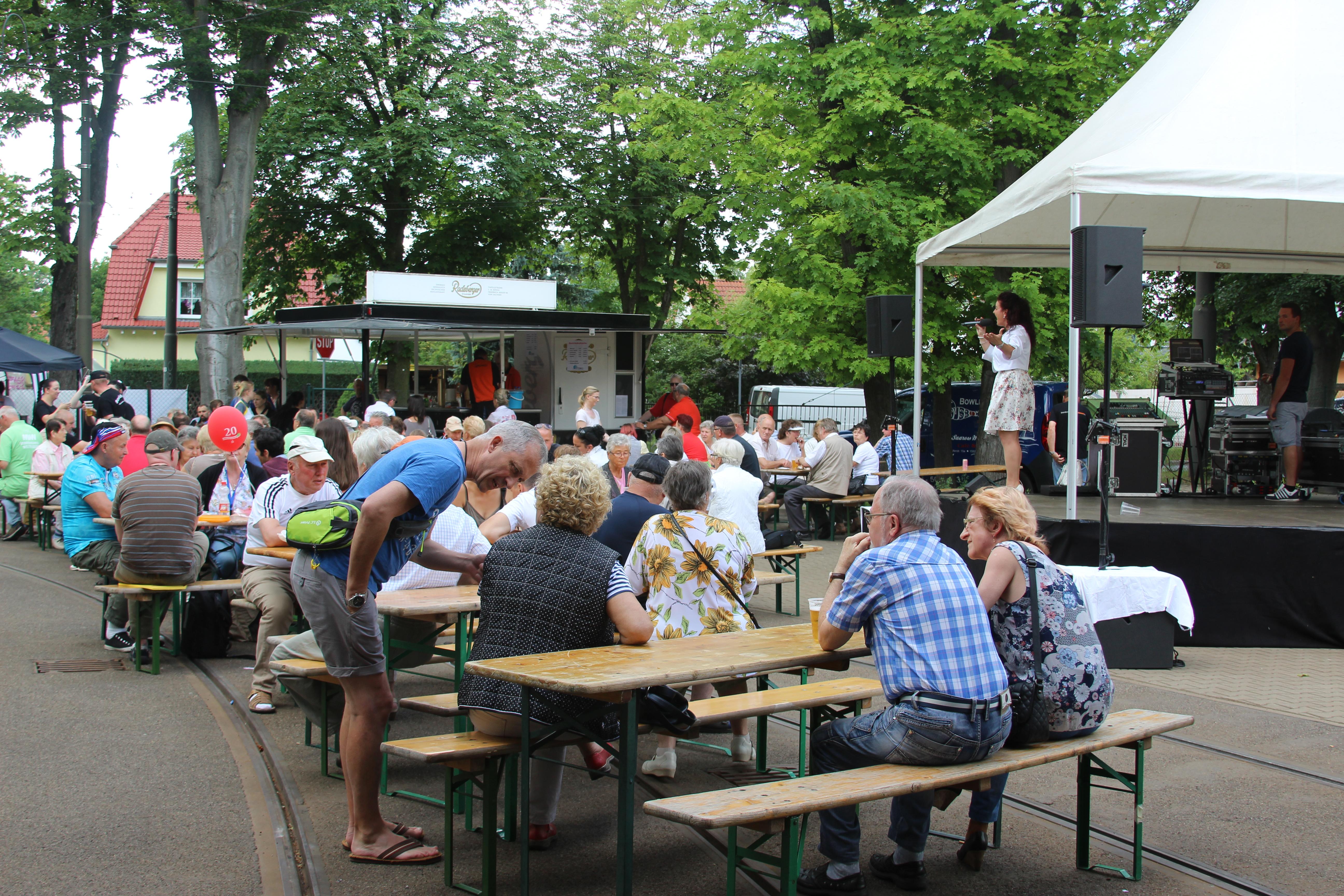 Foto-Impressionen vom 7. Woltersdorf-Tag: Aktivitäten rund um das Straßenbahn-Depot